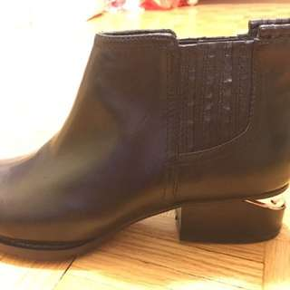 New Leather Ankle Boots non authentic