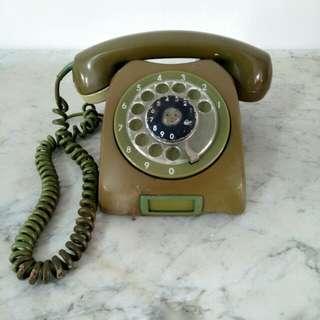 Telephone Putar Jadul Coklat Hijau