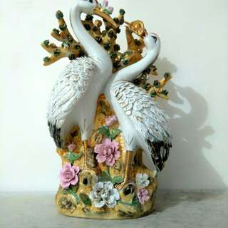Patung Angsa Antik Porcelain