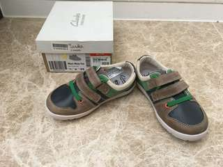 Clarks Boys Shoe NEW - Eur 25