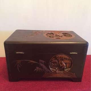 香樟木旧盒