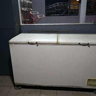 Berjaya Freezer 550 liter