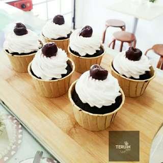 Black Russian cupcake.