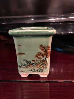 Hand painted scenery small flower pot