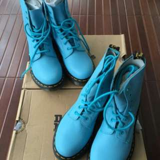 Dr.Martens Pascal 8 Eye Boots (size 37). New
