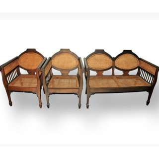 Antique Colonial Sette (Set of 3) Living Room Set (Refurbished)