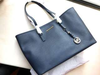 全新 Michael Kors Large Bag 🈹
