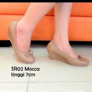 Sepatu wanita wedges RS001