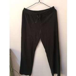 日本品牌 uniqlo 深墨綠色素面 珊瑚絨居家褲 睡衣 長褲