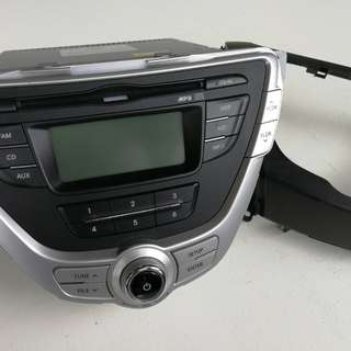Hyundai Elantra Radio with Panel like New