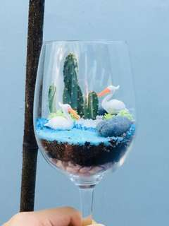 Wineglass Terrarium: Crane by the lake