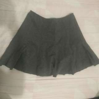 Guess gray Skirt