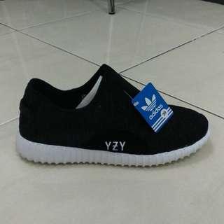 Sepatu yessy slop phylon