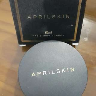 April skin magic snow cushion (black)