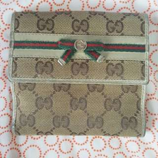 Gucci womens wallet with purinshi ribbon