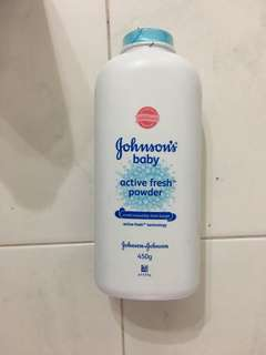 Johnson's Baby Powder 450g large