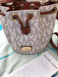 AUTHENTIC Michael Kors Small Bucket Bag