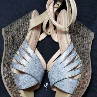 Gray wedge shoes