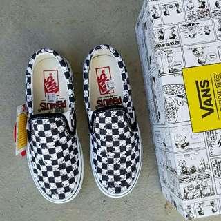 vans slip on peanuts snoopy checkerboard
