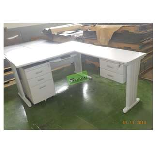 OFFICE TABLE EXECUTIVE TABLE W mobile ped keyboard Drawer