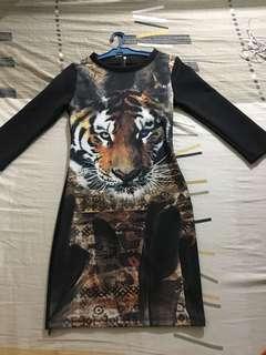 Longsleeves printed dress