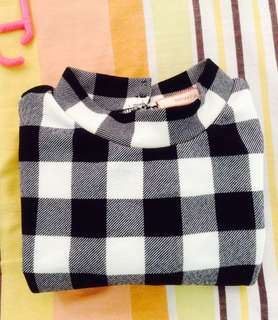 GTW checkered top