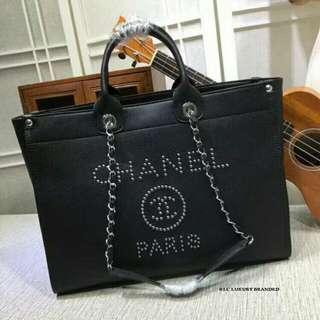 原版 Chanel球纹铆钉购物