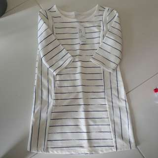 BNWT Old Navy 3/4 Sleeve Stripe Dress