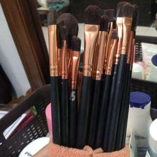 Brush make up set
