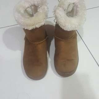 Snow boots boys/girls