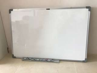 Whiteboard - 900x600mm