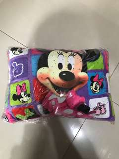 Bantal Minnie