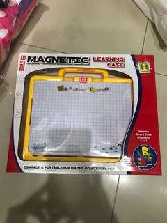 Papan magnet abc