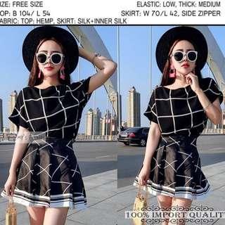 Clarice square dress black