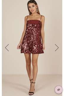 Sequin dress in wine