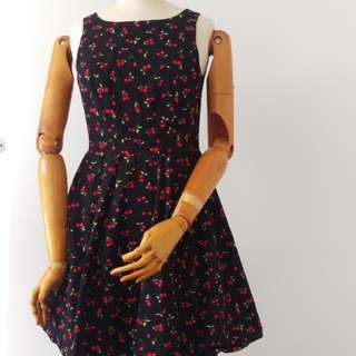 50's style cherry print dress. Would fit 8-10