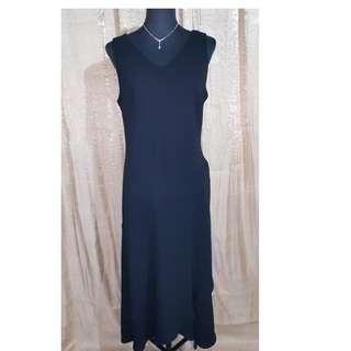 Simple yet elegant Midi Gown