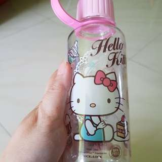 Hello Kitty lock &lock water bottle