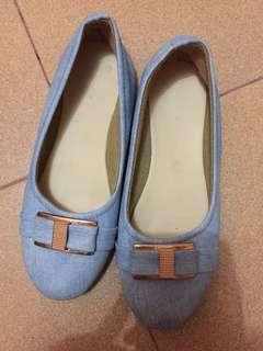 flatshoes jeans