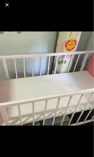 Baby Cot Crib with Free Breathable Mesh Crib Liner