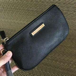 BURBERRY COMPLIMENTARY WRISLET POUCH