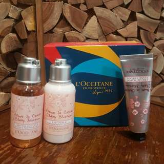 L'OCCITANE Blossom Shower Set