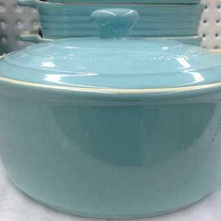 Casserole Dish with Lid (25cm/4 litres)