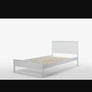 Single bed frame (read product info-got defect)
