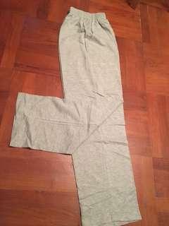灰色七分闊腳褲