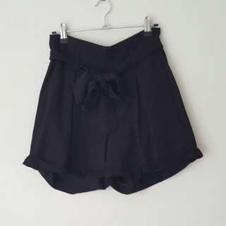 Danni Minogue Petites Black Shorts