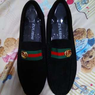 Slip on (GUCCI shoes)
