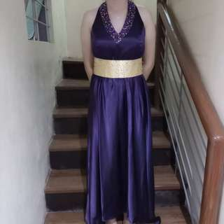 Pre-loved Ladies Gown - Plus size Purple haltered gown