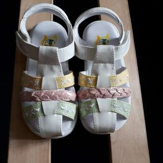 New girls' sandals