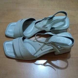 意大利真皮涼鞋 size 38